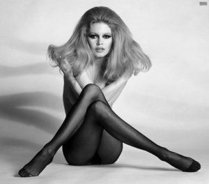 old boudoir photo of model inspire modern boudoir photographers